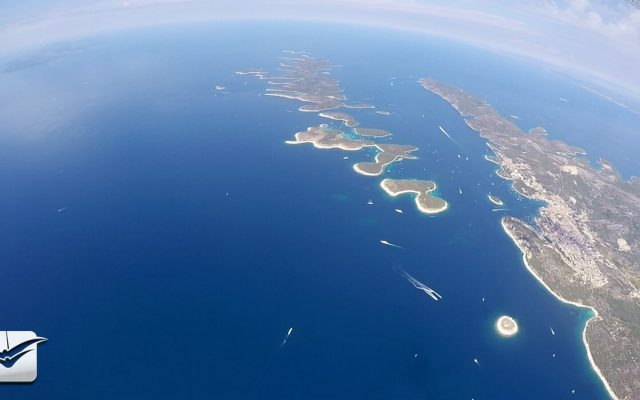Island Hvar, Skydiving tandem gropup_1600x900