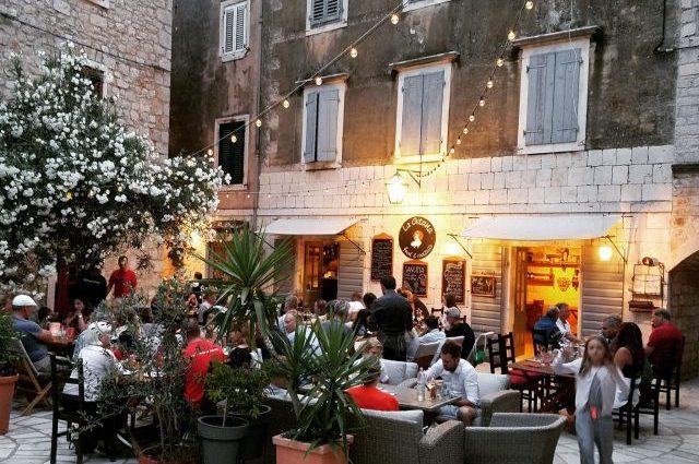 Restorani-La gitana